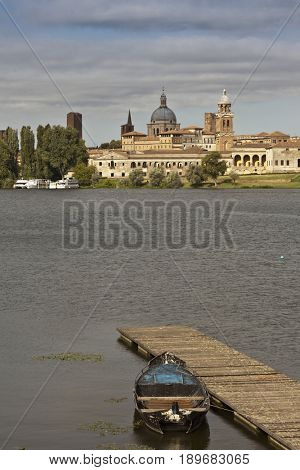Lake in front of Palazzo Ducale