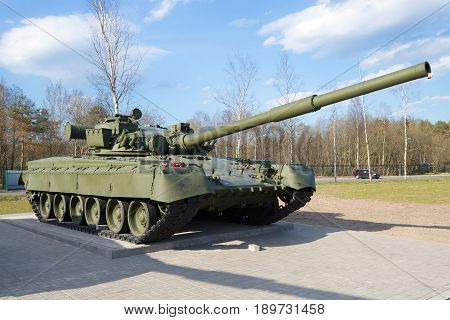 LENINGRAD REGION, RUSSIA - MAY 14, 2017: T-80 - the main battle tank of the Soviet Union close-up sunny May day