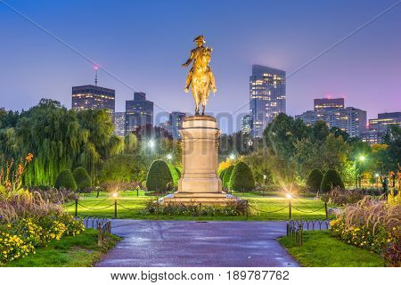Boston, Massachusetts, USA skyline at the public garden.