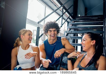 Laughing Makes Easier To Exercise Together
