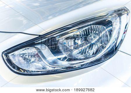 close up shot of the car headlamp