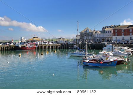 Padstow, Cornwall, Uk - April 6Th 2017: Fishing And Leisure Boats Moored In The Picturesque Cornish