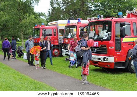 Beaulieu, Hampshire, Uk - May 29 2017: Visitors Looking At Vintage Fire Engines At The 2017 999 Show