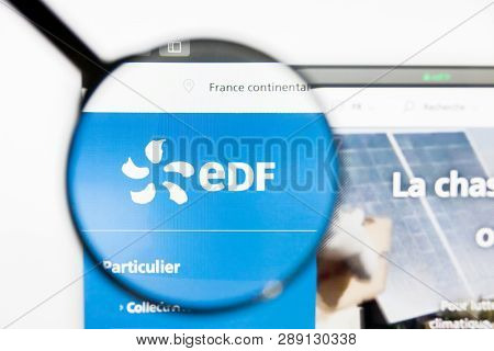 Los Angeles, California, Usa - 12 March 2019: Illustrative Editorial, Edf Website Homepage. Edf Logo
