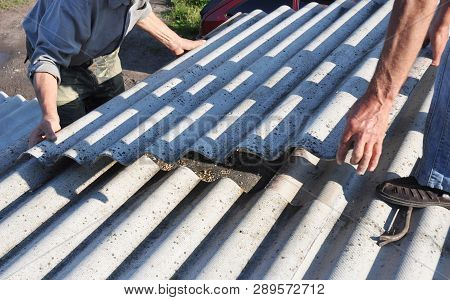 Risks Of Asbestos Roofs, Asbestos Roof Removal. Asbestos Removal Roof Works. House With Old, Danger