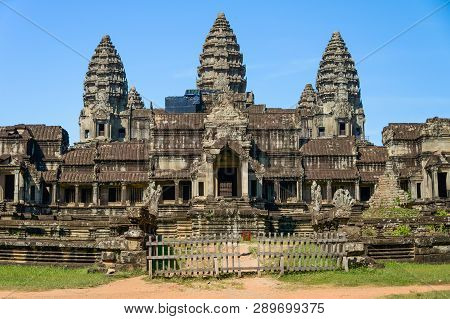 Siem Reap, Cambodia - October 29, 2017: Angkor Wat Temple In Siem Reap, Cambodia In A Summer Day