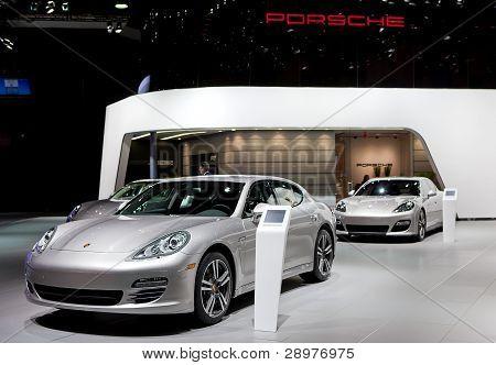 2012 Porsche Display