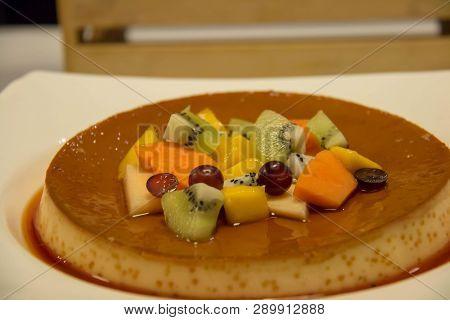 A Dessert Bakery In Restaurant For Lunch And Dinner