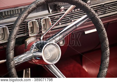 Toronto, Canada - 08 18 2018: Steering Wheel With Logo, Dials And Knobs On The Front Panel Of 1964 L