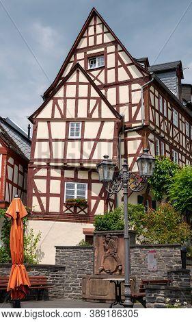 Zeltingen, Germany - June 17, 2020: Market Square Of The Moselle Village Zeltingen With Old Half-tim