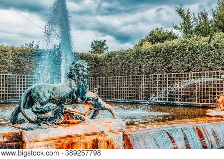 Versailees, France- July 02, 2016 : Fountain With Lions In A Beautful And Famous Gardens Of Versaill