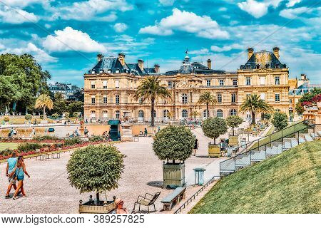 Paris, France - July 08, 2016 : Luxembourg Palace And Park In Paris With People, The Jardin Du Luxem