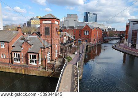Birmingham, Uk - April 19, 2013: People Walk Along Canals In Birmingham, Uk. Birmingham Is The 2nd M