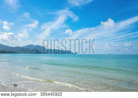 Beautiful Seascape And Endless Horizon At Ao Nang Beach In Krabi City Thailand.krabi - In Southern T
