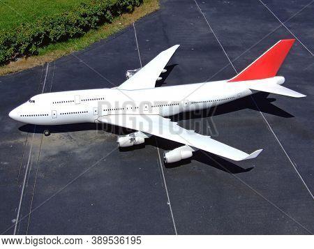 Big White Airplane Jumbo Jet Model At Runaway