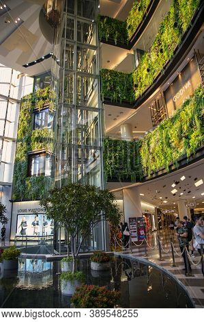 Thailand, Bangkok, January, 2020 - Beautiful Interior Of A Large Shopping Center Siam Paragon With L