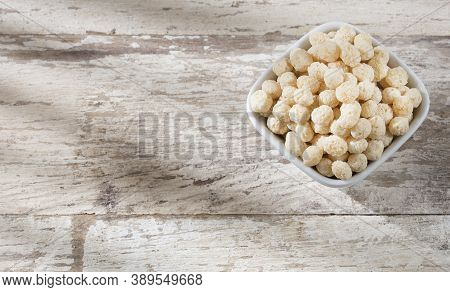 Organic Quinoa Pop Seeds - Chenopodium Quinoa. Text Space