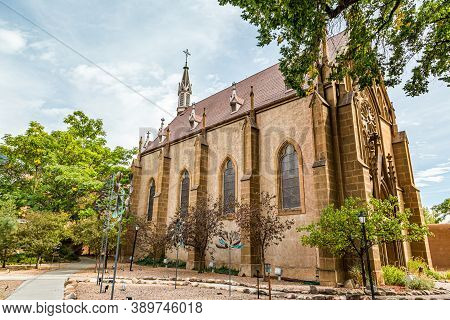 Santa Fe, Nm / Usa - September 20, 2016: The Historic Loretto Chapel Is Located In Downtown Santa Fe