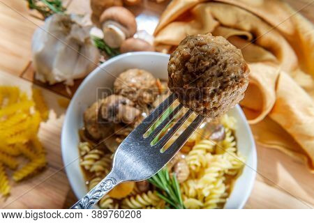 Sunny Day Rotini Stroganoff With Meatballs And Mushrooms