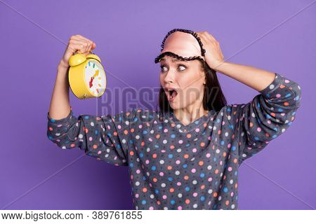 Photo Of Frustrated Girl Oversleep Look Clock She Missed Time Scream Touch Head Hand Wear Dotted Paj