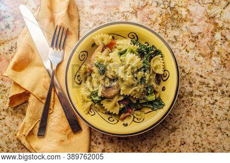 Bowtie Pasta Italian Pesto With Broccoli Rabe And Sundried Tomatoes