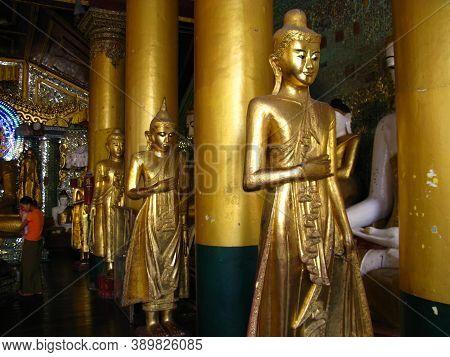 Yangon, Myanmar - 04 Jan 2010: Shwedagon Pagoda In Yangon, Rangoon, Myanmar