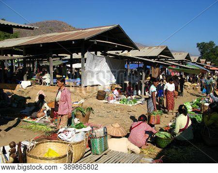 Inle Lake, Myanmar - 10 Jan 2010: The Local Market On The Coast Of Inle Lake, Myanmar