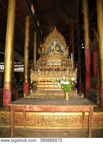 Inle Lake, Myanmar - 10 Jan 2010: The Temple On The Coast Of Inle Lake, Myanmar