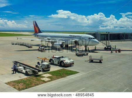 Airplane ground handling