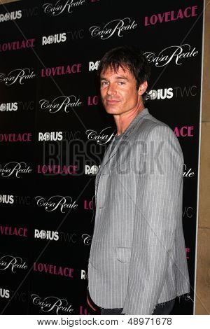 LOS ANGELES - AUG 5:  Patrick Muldoon arrives at the
