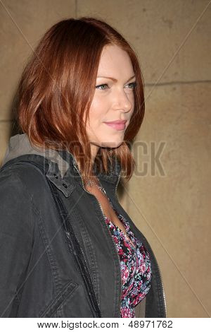 LOS ANGELES - AUG 5:  Laura Prepon arrives at the