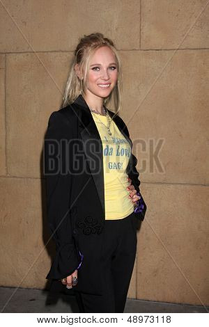 LOS ANGELES - AUG 5:  Juno Temple arrives at the