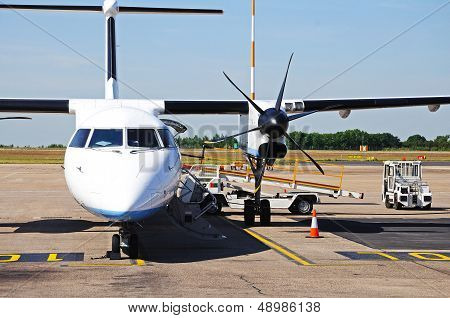 Bombardier Dash 8 Parked.