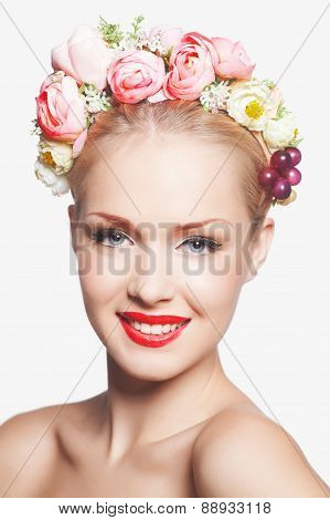 Portrait of glamour blonde lady with floral wreathPortrait of glamour blonde lady with floral wreath