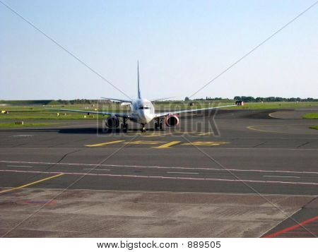 Boeing 737 Taxiing