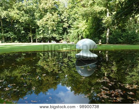 Reflective Water Sculpture