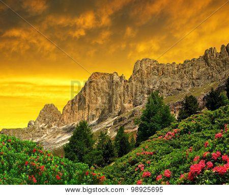 Dolomite peaks, Rosengarten at sunset,Val di Fassa, Italy Alps