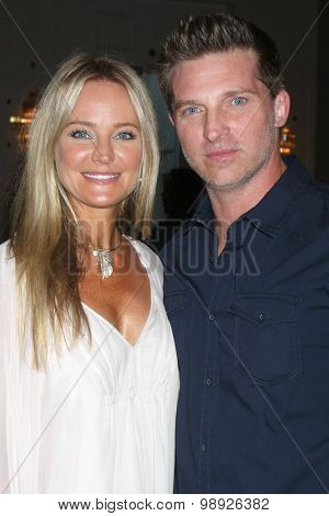 LOS ANGELES - AUG 15:  Sharon Case, Steve Burton at the