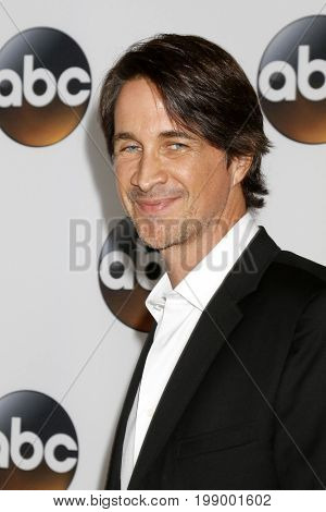 LOS ANGELES - AUG 6:  Michael Easton at the ABC TCA Summer 2017 Party at the Beverly Hilton Hotel on August 6, 2017 in Beverly Hills, CA