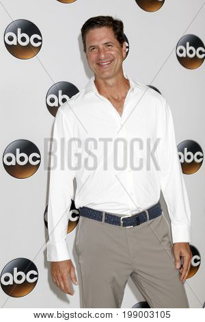 LOS ANGELES - AUG 6:  Steve Levitan at the ABC TCA Summer 2017 Party at the Beverly Hilton Hotel on August 6, 2017 in Beverly Hills, CA