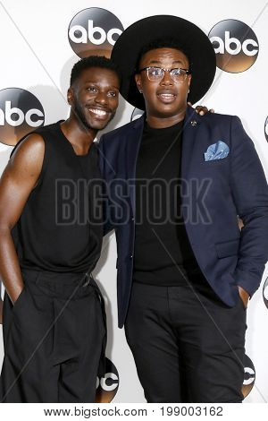 LOS ANGELES - AUG 6:  Bernard David Jones Marcel Spears at the ABC TCA Summer 2017 Party at the Beverly Hilton Hotel on August 6, 2017 in Beverly Hills, CA