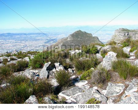 VIEW FROM THE TOP OF TABLE MOUNTAIN,CAPE TOWN SOUTH AFRICA 36hjs