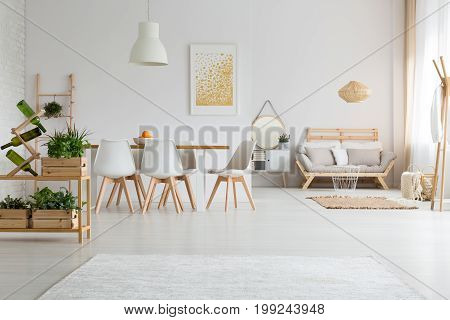 Apartment With Dining Room