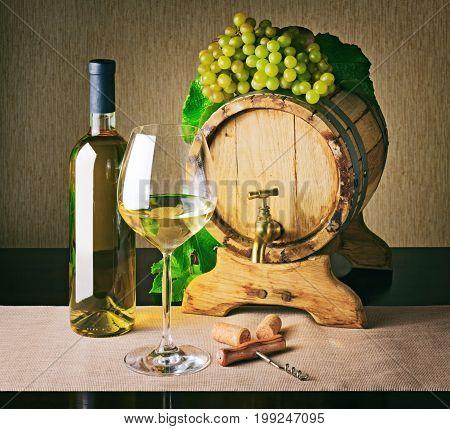 Wooden Wine Barrel And Bunch Of Ripe Grape. White Wine