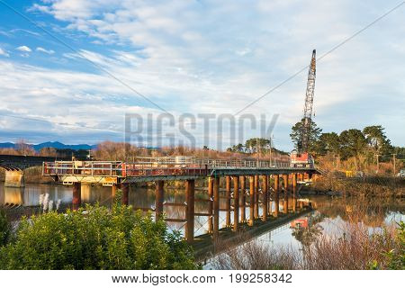 Construction Bridge just about right across the Manawatu river
