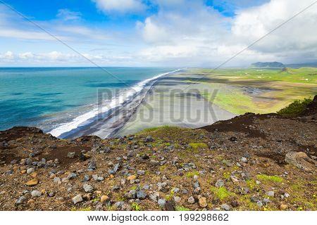 north coast of dyrholaey promontory vestur skaftafellssysla iceland