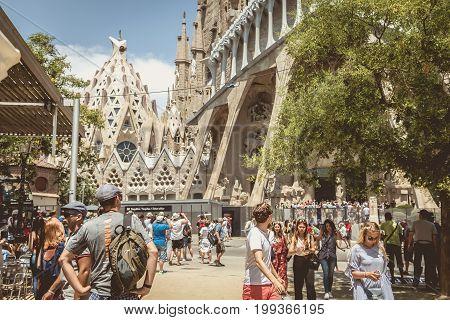 Tourists Lining Up To Enter The Sagrada Familia
