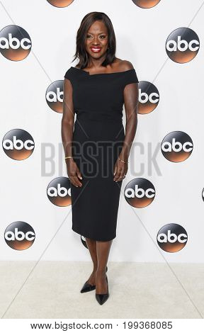 LOS ANGELES - AUG 06:  Viola Davis arrives for the ABC TCA Summer Press Tour 2017 on August 6, 2017 in Beverly Hills, CA