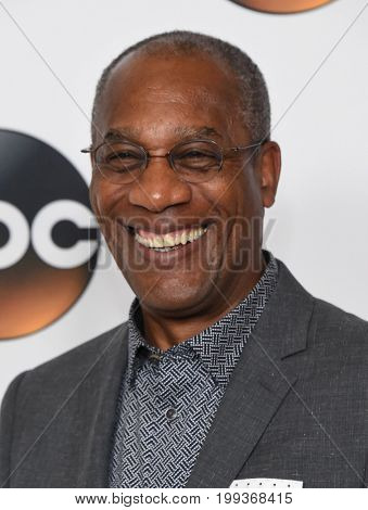 LOS ANGELES - AUG 06:  Joe Morton arrives for the ABC TCA Summer Press Tour 2017 on August 6, 2017 in Beverly Hills, CA