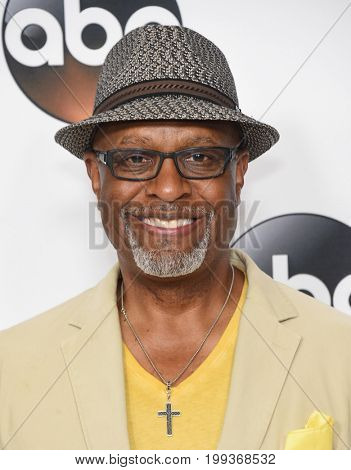 LOS ANGELES - AUG 06:  James Pickens Jr. arrives for the ABC TCA Summer Press Tour 2017 on August 6, 2017 in Beverly Hills, CA
